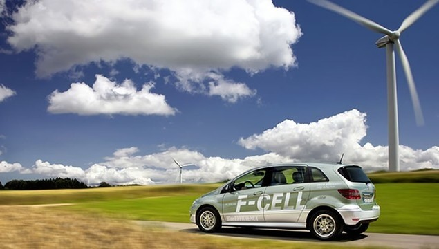 01-mercedes benz-fuel cell car-F-Cell-fuel cell powered car