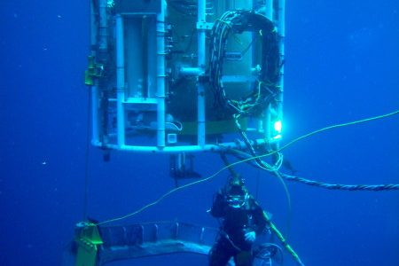 79fbe 01 small habitat under water welding dry hyperbaric welding process about underwater welding Manufacturing Engineering Underwater Welding